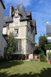 Villa DEAUVILLE - Ref M-09151