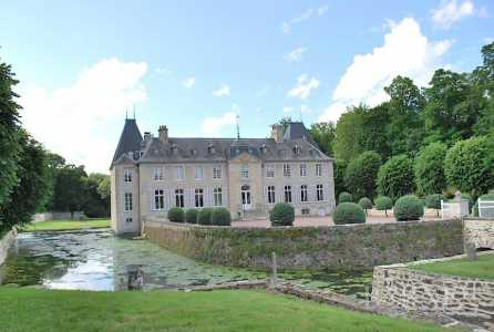 CHATEAU BOUGY - Ref 2598230