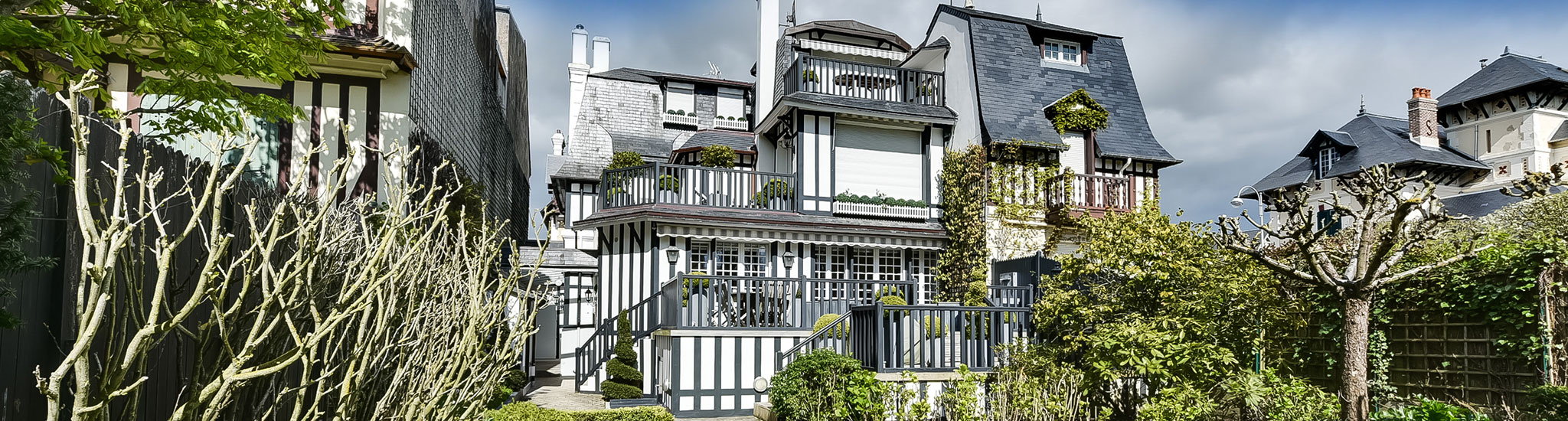 DEAUVILLE - 14800 In Deauville's Golden Triangle, BARNES DEAUVILLE presents this gorgeou...